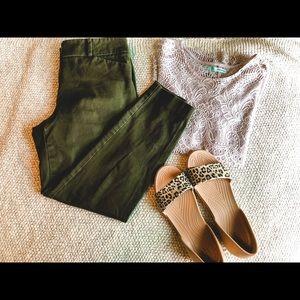 New York & Co Olive Green Crop Dress Pants